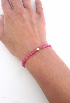 Bracelet perles Agathe Brésilienne - Rose par ItsCalledSerendipity sur Etsy https://www.etsy.com/fr/listing/130209542/bracelet-perles-agathe-bresilienne-rose