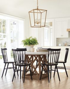 Round Dining Table And Chairs Entryway Light Fixtures, Entryway Lighting, Kitchen Lighting, White Round Dining Table, Round Kitchen Tables, Spring Home, Table Furniture, Furniture Stores, Home Furnishings