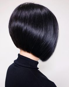 Short Lace Front Human Hair Bob Wig For Black Women,Brazilian Straight Remy Lace Wig. Retro Hairstyles, Bob Hairstyles, Straight Hairstyles, Black Hairstyles, Hairstyles Pictures, Bob Haircut For Fine Hair, Line Bob Haircut, Short Hair Wigs, Human Hair Wigs