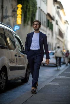All the best street style looks from the men currently peacocking in Florence at the Pitti Uomo SS18 trade fair.