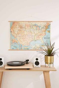Teen boys bedroom study. Vintage map / home decor ideas. Modern vintage perfect for teen girls bedroom too #teengirlbedroomideasvintage