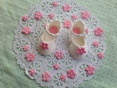 edible/fondant baby shoe cake topper by rmcakedesign on Etsy, $12.00