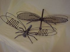 insects made from recycled materials | These are tow examples of flying creatures. The lower bug is made from ...