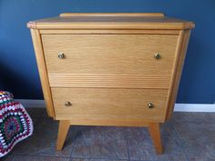 "Mid Century Chest of Drawers, Homeworthy England 1950's, Light / Blond Oak Veneer, Retro Splayed Legs, Excellent Condition 30"" x 28.5"" x 19"" by BlackSquirrelHome on Etsy https://www.etsy.com/uk/listing/535256289/mid-century-chest-of-drawers-homeworthy"