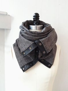 Charcoal ultra soft plaid Chunky circular infinity scarf...I'm so figuring out how to make this