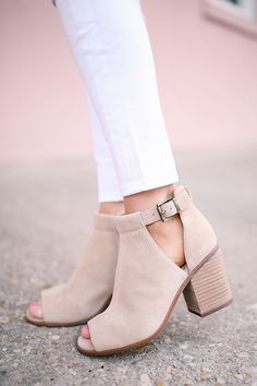 Vintage Shoes Suede cutout booties with open toe front and stacked heel Pretty Shoes, Beautiful Shoes, High Heel Combat Boots, Open Toe Boots, High Boots, Shoe Boots, Shoes Heels, Shoes Sneakers, Cute Shoes Boots