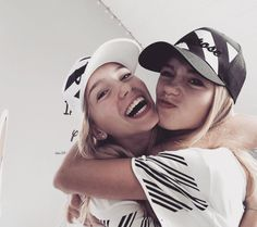 lisa and lena clothing line website | ... Meet Lisa and Lena, the Teenage Twins Taking Over the Internet