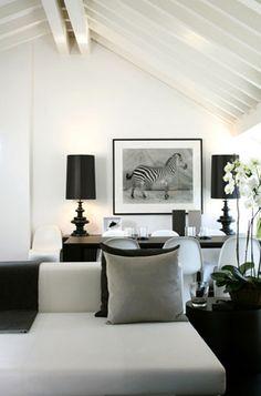 Hur vackert somhelst med svart och vitt med inte shabby utan chic och lagom modernt.