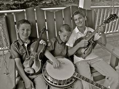 sleepy man banjo boys - Robbie, Jonny & Tommy Mizzone