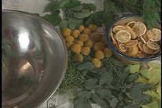 Homemade Christmas potpourri makes a great, personal gift. Allen Smith demonstrates how to make Christmas Potpourri.