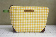 Gemakkelijke ritssluiting Cosmetics Bag Pattern + DIY Tutorial in Pictures.