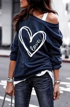 Woman Heart Pattern Long Sleeve Vintage T-shirts – chiclinen t shirt outfit t shirts outfit summer t shirts outfit casual t shirts outfit dressy t shirts outfit jeans and Vintage T Shirts, Cute Spring Outfits, Outfit Summer, Cotton Sweater, Slouchy Sweater, Looks Vintage, Looks Style, Shirt Outfit, Outfit Jeans