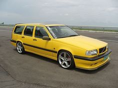 Volvo 850 - Yellow Car