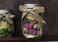 What a great party / wedding gift! Blue Hill Farm, Wedding Gifts, Party Wedding, Soul Food, Favors, Seeds, Jar, Table Decorations, Vegetables