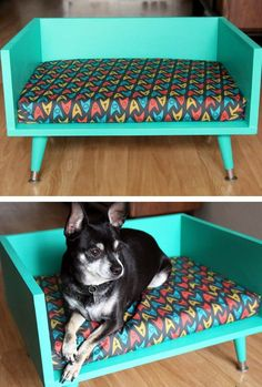 Different color though. DIY mid century style pet bed - with Star Trek cushion! (geek home decor / geek gifts) Geek Home Decor, Diy Dog Bed, Diy Bed, Pet Beds Diy, Wood Dog Bed, Pallet Dog Beds, Diy Sofa, Dog Furniture, Modern Furniture