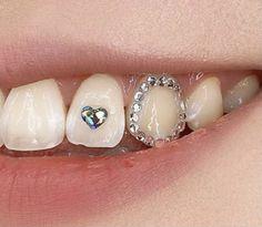 Tooth Jewelry, Diamond Teeth, Grills Teeth, Tooth Gem, Cool Ear Piercings, Bling, Grillz, Cute Jewelry, Girly Things