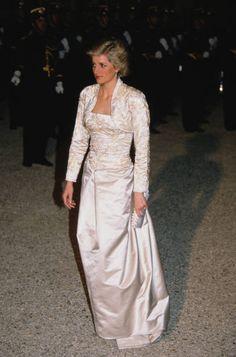 2,394 Princess Diana White Photos and Premium High Res Pictures Princess Diana Images, Princess Diana Fashion, Prince And Princess, Princess Of Wales, White Gowns, White Dress, Gown Pictures, Gown Photos, Diane
