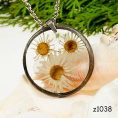 Dried flower necklace Z1038 Romantic jewelry Terrarium necklace Gift for her Dried flower jewelry Real plant jewelry Resin jewelry Bohohttps://www.etsy.com/listing/507824626/dried-flower-necklace-z1038-romantic?ref=shop_home_active_85