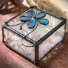 [orginial_title] – J Devlin Glass Art The perfect knickknack to compliment spring colors in your decor scheme. The perfect knickknack to compliment spring colors in your decor scheme. Making Stained Glass, Faux Stained Glass, Stained Glass Panels, Stained Glass Projects, Stained Glass Patterns, Dragonfly Stained Glass, Glass Jewelry Box, Jewellery Boxes, Jewelry Holder