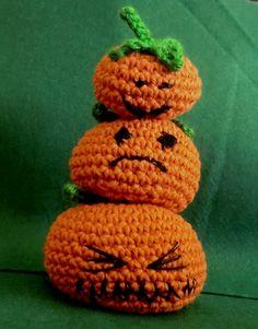 Halloween stack o #pumpkins amigurumi crochet.  #Halloween #crochet #2014