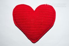 With this free crochet pattern I´ll show you how to crochet a small heart pillow. The crochet heart pillow will be worked in rows and has a nice shape. Striped Crochet Blanket, Crochet Pillow Pattern, Nursing Home Gifts, Crochet Baby Clothes Boy, Crochet Jewelry Patterns, Crochet Baby Cocoon, Pillow Tutorial, Heart Pillow, Small Pillows