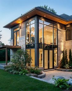 Amazing Latest Modern House Designs Architecture - Design Exterior dream homes small Modern Exterior House Designs, Dream House Exterior, Modern House Design, Exterior Design, Bungalow Exterior, Home Modern, Exterior Colors, Contemporary Interior, House With Porch