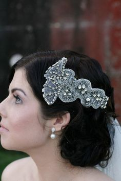 Gorgeous vintage styled headpiece. Johanna Johnson. Photography by sugarlovepictures.com