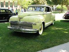 1942 DeSoto Custom Convertible w/airfoil headlight covers Desoto Cars, Dodge Vehicles, Pontiac Bonneville, Oldsmobile Cutlass, Cabriolet, Abandoned Cars, Futuristic Cars, Sweet Cars, Unique Cars