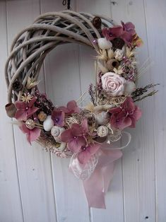 starorůžový věnec Hobbies And Crafts, Diy And Crafts, Summer Wreath, Decorative Pillow Covers, Grapevine Wreath, Easter Bunny, Floral Wreath, Projects To Try, Shabby Chic