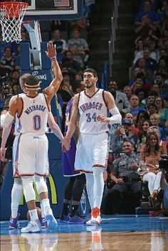 Los Angeles Lakers vs. Oklahoma City Thunder - Photos - March 24, 2015 - ESPN