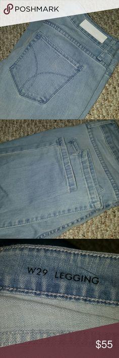 CALVIN KLEIN skinny jeans! Light wash calvin klein skinny jeans! LIKE NEW! Size W29. Calvin Klein Jeans Skinny