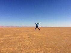 Sintiéndome pequeñita en el inmenso Lago de Sal!  #HistoriasZurich #ViajandoTunez