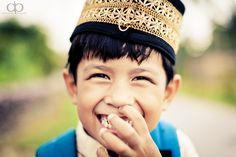 https://flic.kr/p/dw1cJD | Boy | Sumatra/ Indonesia  © David Pinzer 2012  Follow me on Facebook  Instagram  www.david-pinzer.de