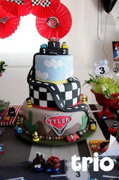 bolo de aniversario carros disney - Pesquisa Google