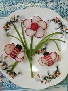 Fruit Art arşivleri - Page 10 of 364 - Food Carving Ideas Food Design, Deco Fruit, Veggie Art, Food Art For Kids, Creative Food Art, Food Carving, Vegetable Carving, Food Garnishes, Garnishing Ideas