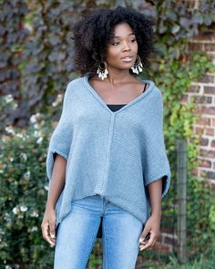 Ravelry: Simple Stitch Top L70233 pattern by Lion Brand Yarn | Aran/14sts
