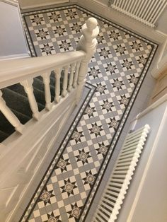 Tile shop in Derby supplying slate, marble, mosaic, porecelain, terracotta and victorian tiles for bathrooms and kitchens Victorian Porch, Edwardian House, Victorian Homes, Victorian Hallway Tiles, Tiled Hallway, Hall Tiles, Porch Tile, Foyer Flooring, Hallway Inspiration