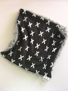 Black white X baby blanket, gray Blanket, geometric Blanket, modern Nursery, Gender Neutral Baby Shower Gift, monochromatic Nursery, THROW by DwellDarling on Etsy