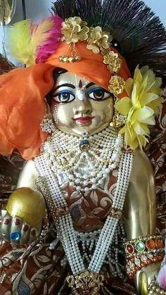 Sirf Teri ankhon me hi dubi rahu gopal ke yeh janam guzar du. Krishna Statue, Cute Krishna, Jai Shree Krishna, Radha Krishna Photo, Krishna Radha, Lord Krishna Images, Radha Krishna Pictures, Krishna Photos, Turbans