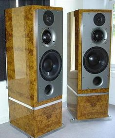 ATC Annivesary speakers Inspiration! High End Speakers, Big Speakers, Monitor Speakers, Home Speakers, Audiophile Speakers, Hifi Audio, Hifi Stereo, Mc Intosh, Desktop Themes