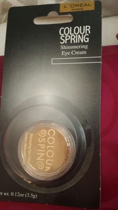L'Oréal colour spring shimmering eye creme - gold/yellow color