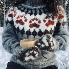 Visit the post for more. Knit Fashion, Sweater Fashion, Sweater Outfits, Raglan Pullover, Pullover Mode, Christmas Knitting, Christmas Sweaters, Icelandic Sweaters, Damen Sweatshirts