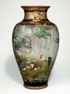 A LARGE SATSUMA VASE ATTRIBUTED TO KINKOZAN, MEIJI PERIOD (LATE 19TH CENTURY)