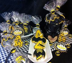 Batman Cookie Tablescape Batman Cookies, Tablescapes, Parties, Halloween, Decor, Fiestas, Dekoration, Decoration, Table Scapes