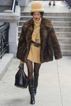 Marc Jacobs fall/winter 2017 collection – New York fashion week. #runway #fashion #fashionweek #nyfw #newyork #newyorkfashionweek #fabfashionfix #fall2017 #fallwinter2017 #marcjacobs