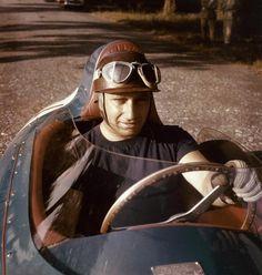 LE PILOTE JUAN MANUEL FANGIO, 1958 - La galerie photo ParisMatch.com ========================= Bonjour, pour les bijoux Gaby Féerie => http://www.alittlemarket.com/boutique/gaby_feerie-132444.html