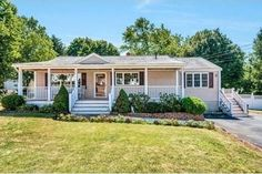 10 Manomet Rd, Woburn, MA 01801 - Home For Sale and Real Estate Listing - realtor.com®