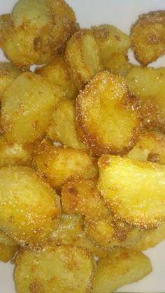 Darás sült krumpli Kitchen Aprons, Food 52, Plant Based, Side Dishes, Vegan, Willow Garden, Cooking, Ethnic Recipes, Gastronomia