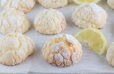 biscuits-craquelés-au-citron-au-Thermomix Thermomix Desserts, Sweet Desserts, Homemade Gifts, Biscotti, Entrees, Bread, Cookies, Breakfast, Fondant