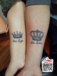 Crown Tattoo, Queen Tattoo, King Tattoo, Lover Tattoo, Aşk Dövmesi, Sevgili Dövmesi, Kral Dövmesi, Taç Dövmesi // Dövme, piercing, kalıcı makyaj randevularınız için +90 212 293 36 35 numaralı telefondan bizlere ulaşabilir, Şehit Muhtar Mah. İmam Adnan Sk. No:19 Beyoğlu / İstanbul adresine uğrayarak stüdyomuzu ziyaret edebilirsiniz. #tattoo #dragon_tattoo #supply #tattooart #art #ink #istanbul #dövme #forevertattoo #art #crowntattoo #kingtattoo #lovertattoo #sevgilidövmesi #queentattoo